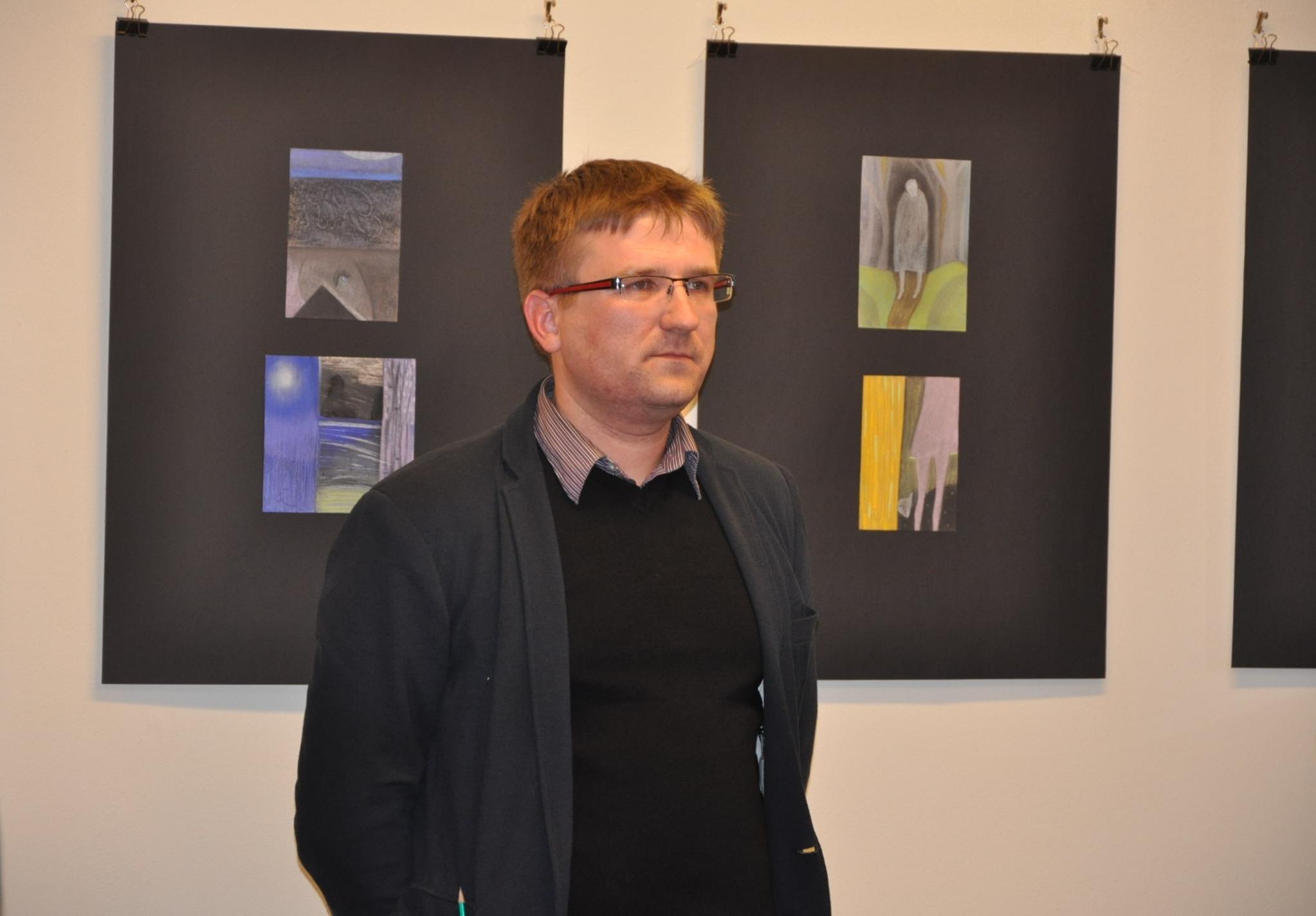 Nuotraukoje: pirmosios personalinės parodos autorius Aurimas Liekis.